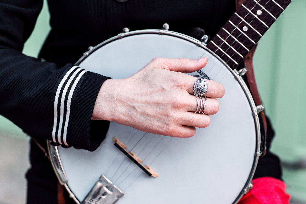 banjo-hand-eagle-ring.jpg