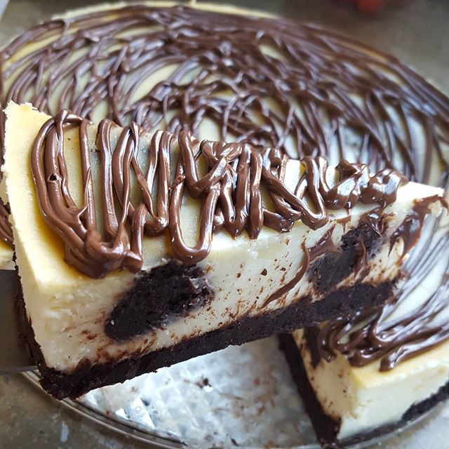 My, forbidden lover... I don't want no other.  Brownie cheesecake with that nutella drizzle izzle.  Your affair awaits you at 600 Spring Garden 😈 This and a hot cup of goodness from @capheroasters is pretty much the perfect date. 😁 And this Saturday @lansdalefarmersmarket !!!