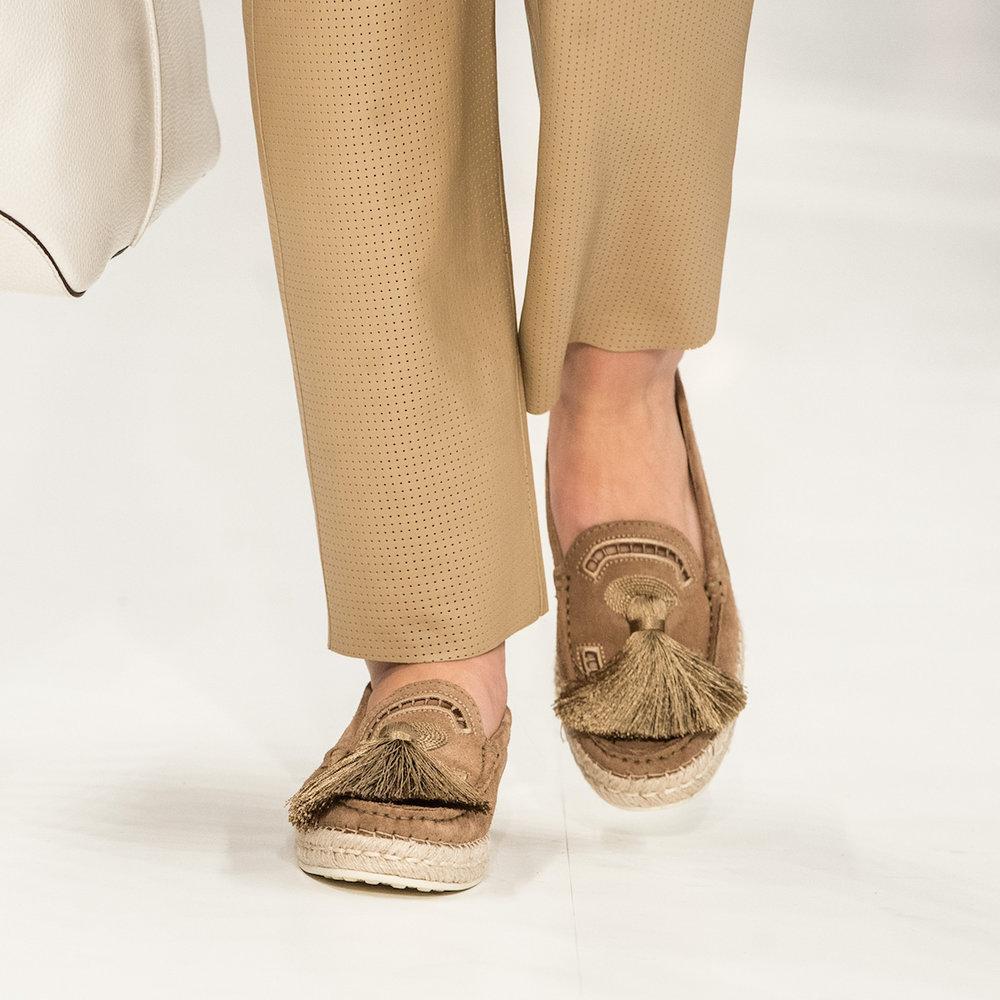 close-up-shoes-10.jpg
