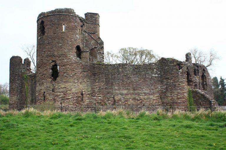 grosmont-castle-768x511.jpg