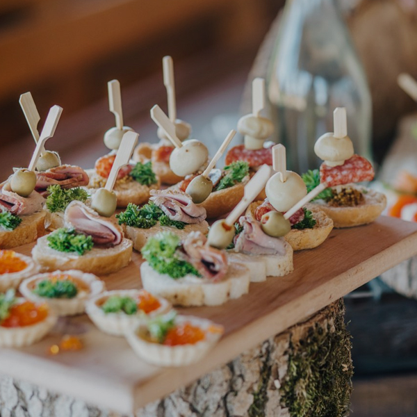 FORAS CATERING - CATERING