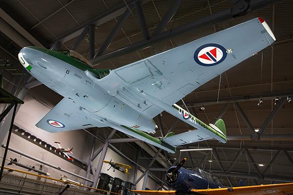 De Havilland DH-100 Vampire -