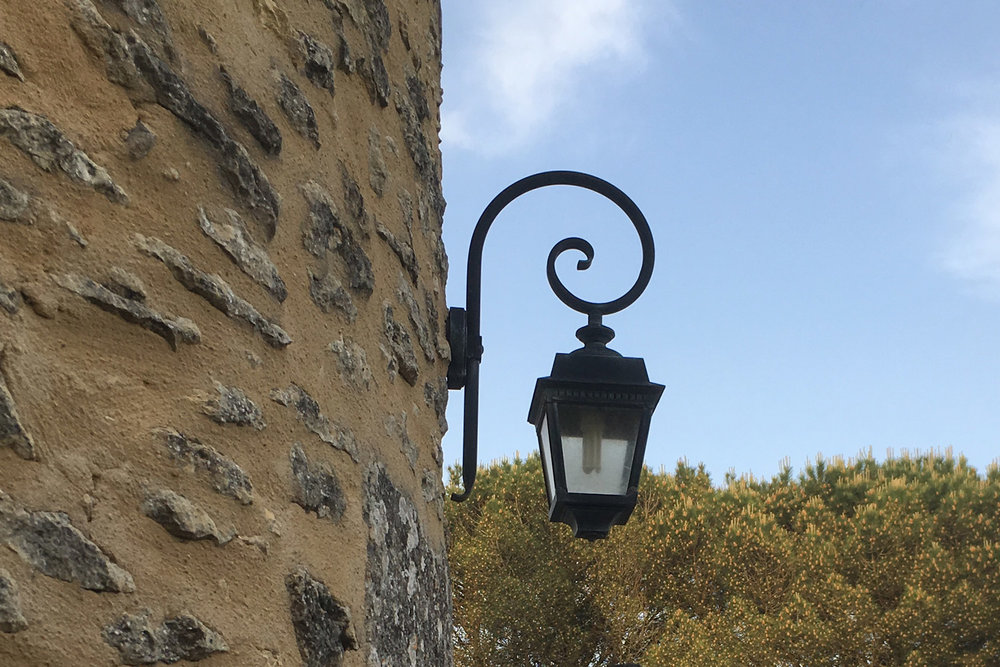 la-tour-outdoor-light-antique.jpg