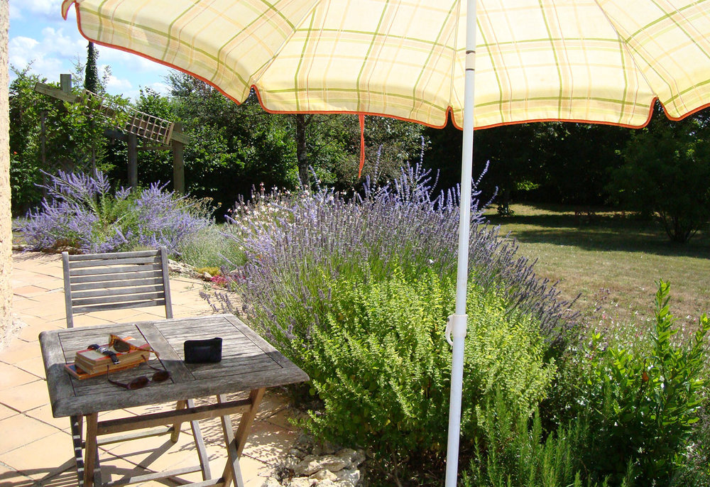 Summer - The most popular time for visitors, with lazy days by the pool enjoying delicious meals of Perigord specialities and plenty of wine to sample. The markets are at their best, with night markets in peak season. Antique and flea markets are regularly advertised and are great fun.