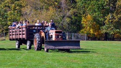 Hayride Tours - PLEASE REGISTER ONLINE TO VISIT OUR CAMPUS!