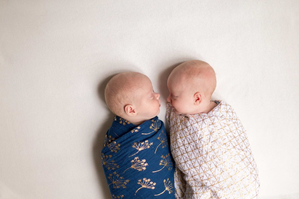 Ines-Aramburo-newborn-paris-lifestyle-photo-session-nouveau-ne-seance-photographe-23.jpg