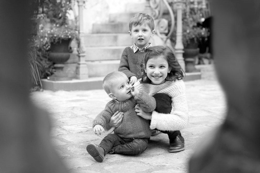 Ines-Aramburo-photographe-paris-famille-lifestyle-cartecadeau-seancephoto-portrait-family-photographer-13.jpg