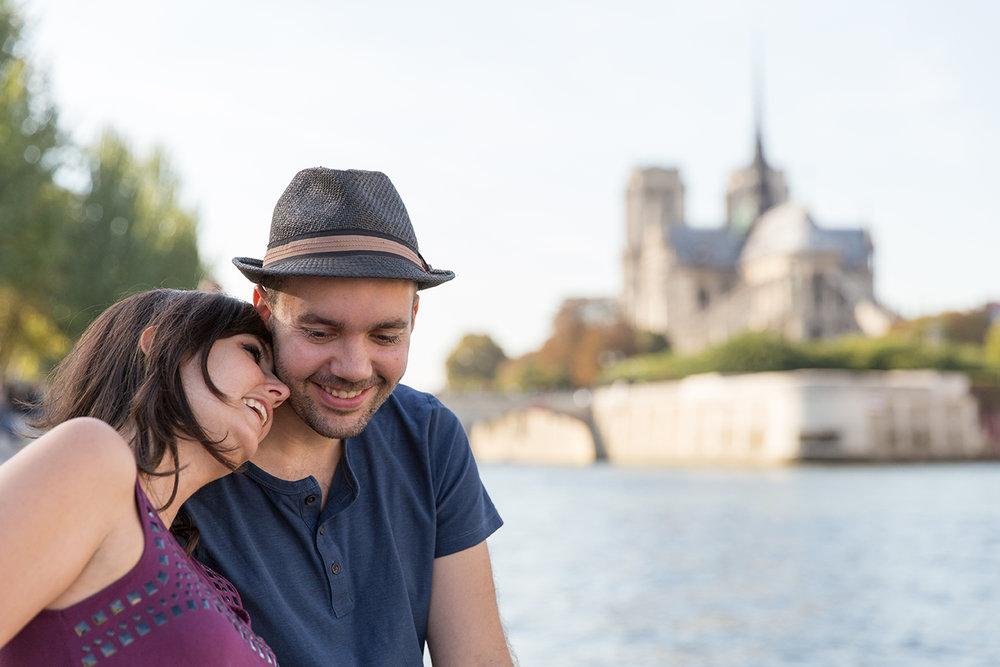 Ines-Aramburo-photographe-paris-couple-engagement-savethedate-proposal-lifestyle-photographer-35.jpg
