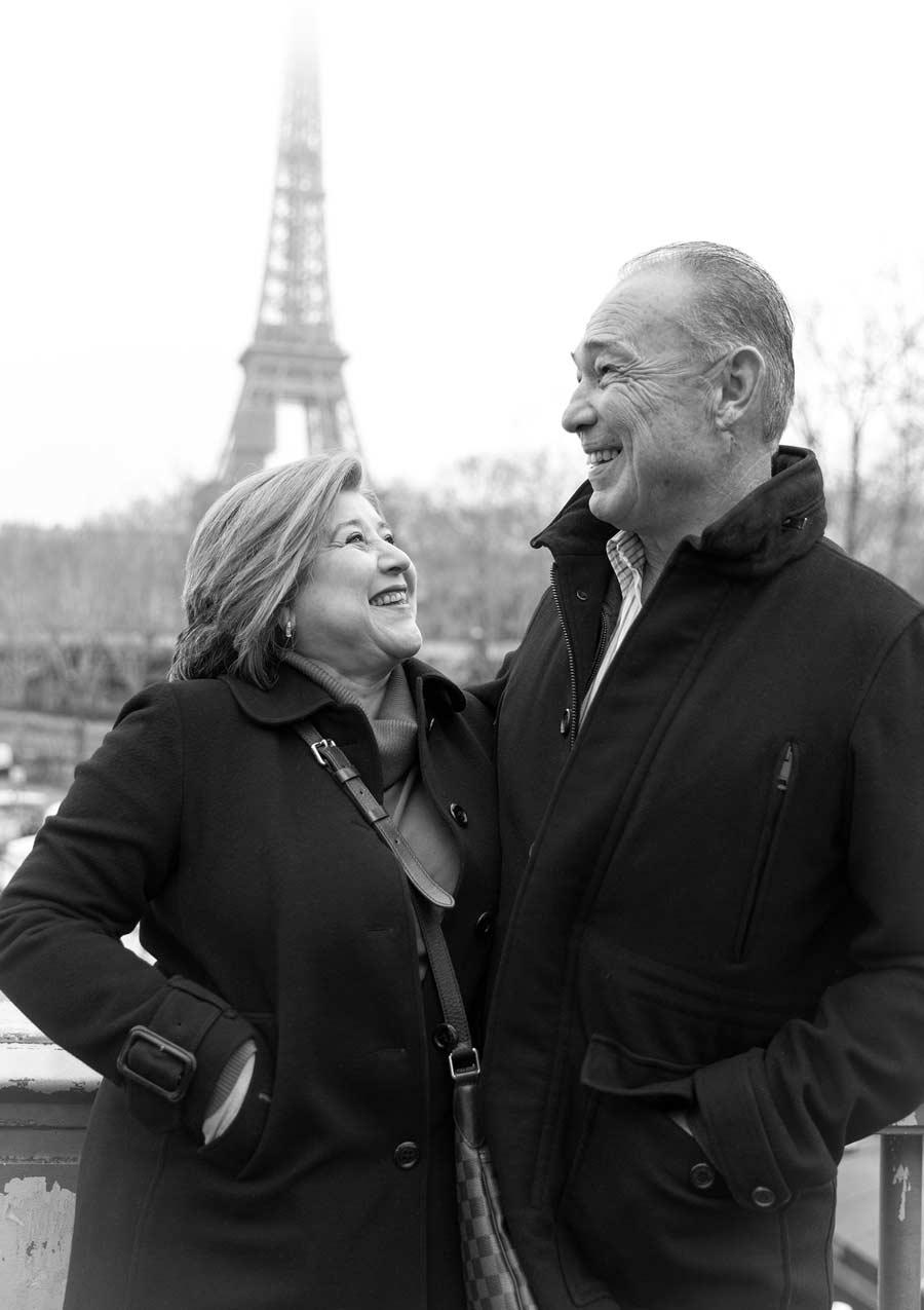 Ines-Aramburo-photographe-paris-couple-engagement-savethedate-proposal-lifestyle-photographer-6.jpg