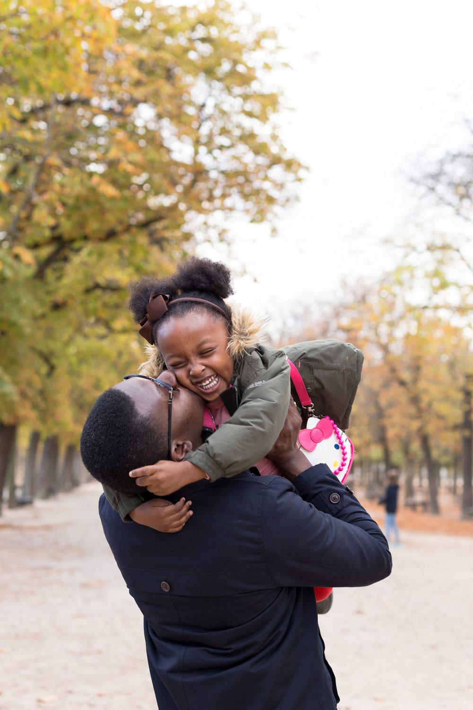 Ines-Aramburo-photographe-paris-famille-lifestyle-cartecadeau-seancephoto-portrait-family-photographer-16.jpg