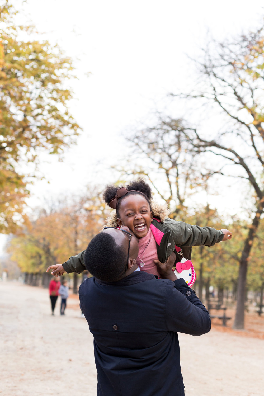 Ines-Aramburo-photographe-paris-famille-lifestyle-cartecadeau-seancephoto-portrait-family-photographer-15.jpg