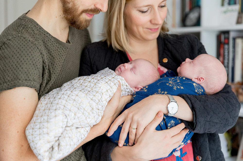 Ines-Aramburo-photographe-paris-nouveau-ne-lifestyle-seance-photo-famille-grossesse-photographer-newborn-maternity-35.jpg