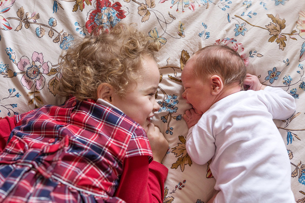 Ines-Aramburo-photographe-paris-nouveau-ne-lifestyle-seance-photo-famille-grossesse-photographer-newborn-maternity-7.jpg