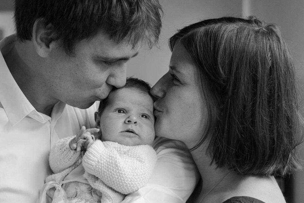Ines-Aramburo-photographe-paris-nouveau-ne-lifestyle-seance-photo-famille-grossesse-photographer-newborn-maternity-12.jpg