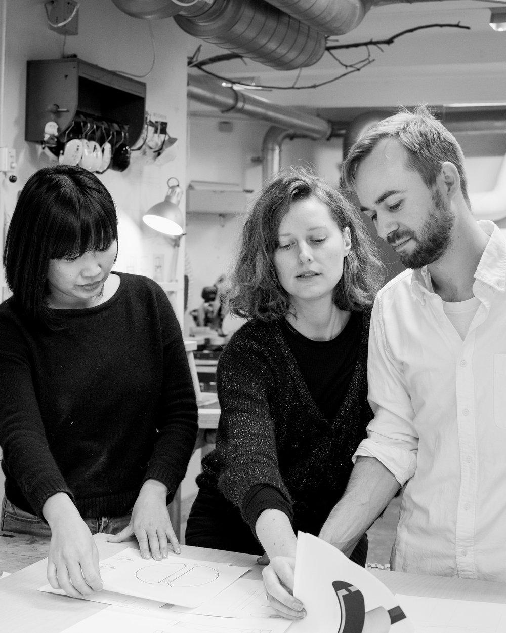 """OVOLO team - """"Ovolo er navnet på en profil, som har været anvendt i klassisk arkitektur og møbelsnedkeri. Kombinationen af det klassiske håndværk og tidløs formgivning er kernen i vores virke"""""""