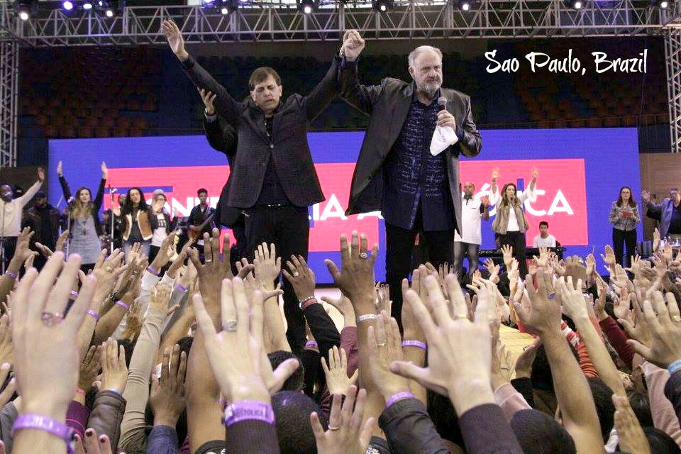 Charging the people in Brazil to hold up the hands and pray for their apostolic Leaders