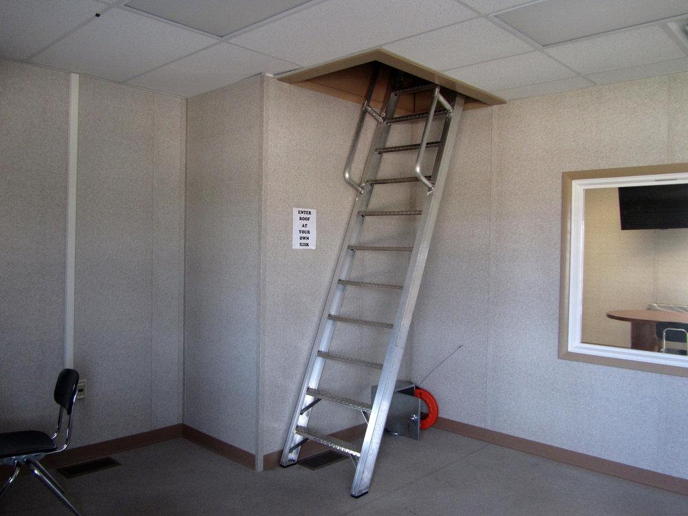 american-press-box_laketravis-press-box-ladder.jpg