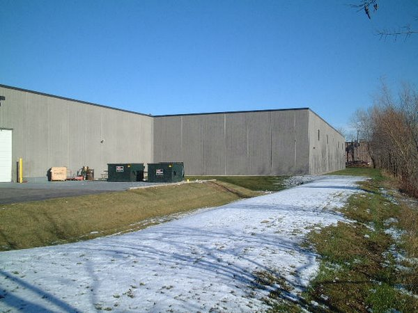 Tigerflex Corp., Elk Grove Village   11,000 precast concrete factory building addition and interior remodel without disruption to ongoing production operations..