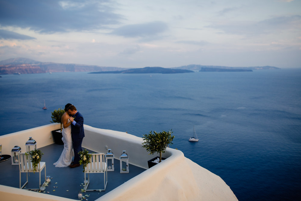 Santorini_wedding_oia.jpg