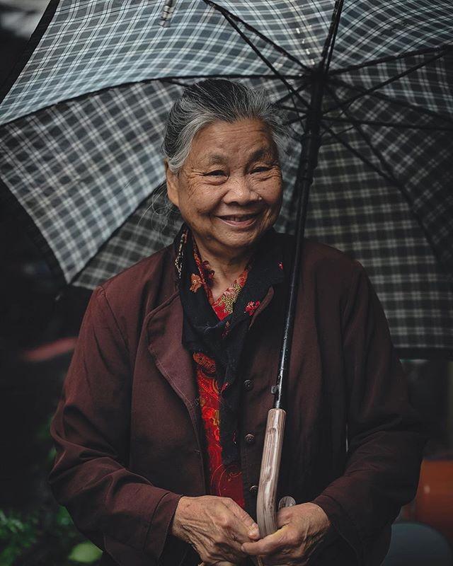 Portraits of Taiwan. #letsgosomewhere #travelphotography #packandgo #travel #destinationearth #canon_photos #livefolk  #ig_worldphoto #instagram #liveauthentic  #teamcanon #chasinglight #canonsverige #getoutdoors #traveltheworld #vsco #roamtheplanet #travelstroke  #moodygrams #aov #artofvisual #taiwan #taipei #portraits