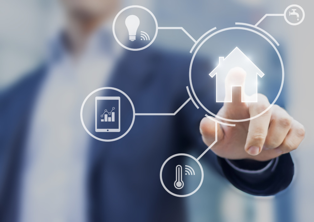 Smarte hjem - Gjør all styring av huset fra mobilen din, varme, lys og sikkerheten.