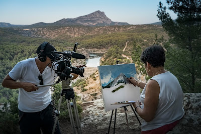 EOS Cézanne - Phil Grabsky filming Monique at Mont Saint-Victoire ® EXHIBITION ON SCREEN (David Bickerstaff)