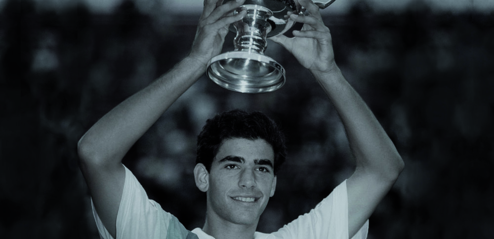 1980–1990 - THE BIG NAMES IN SPORTThroughout the 80s, Sergio Tacchini widened its portfolio and sponsorships by embracing sports as diverse as Formula 1 with Ayrton Senna and Carlos Reutemann, skiing with Marc Girardelli and Pirmin Zurbriggen and golf with Ian Woosnam. During the 80s and 90s, footwear and accessories were added to the collection, as well as product offerings in new sectors such as Ski, Golf, Beach and Leisurewear. All infused with Sergio Tacchini's signature Italian style of quality, innovation and 'active elegance'.