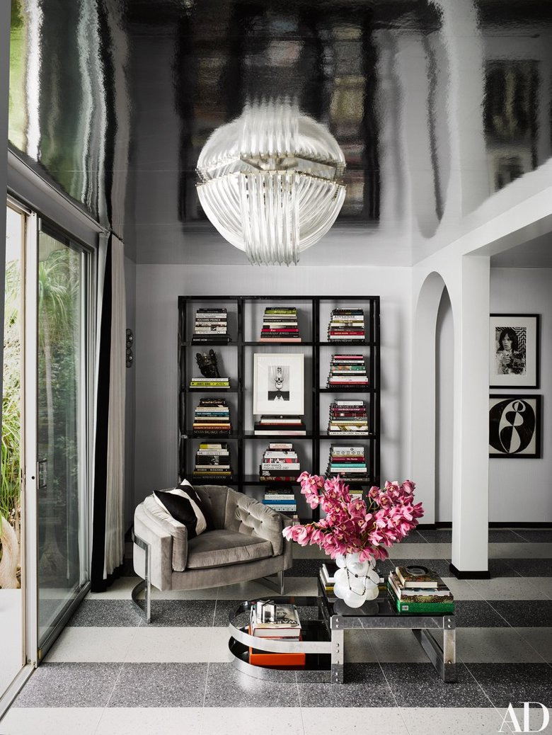 Milo-Baughman-lounge-chair-in-room.jpg