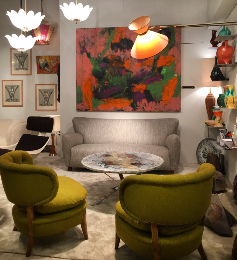 Paris-Flea-Market-Furniture.jpg