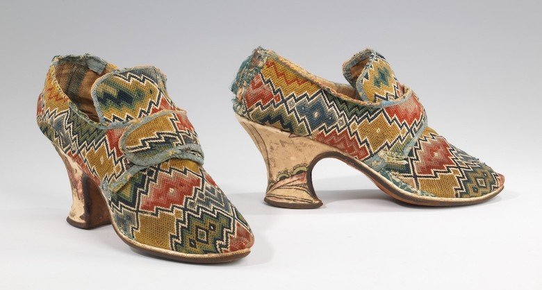 Flame Stitch shoes from the 18th century.