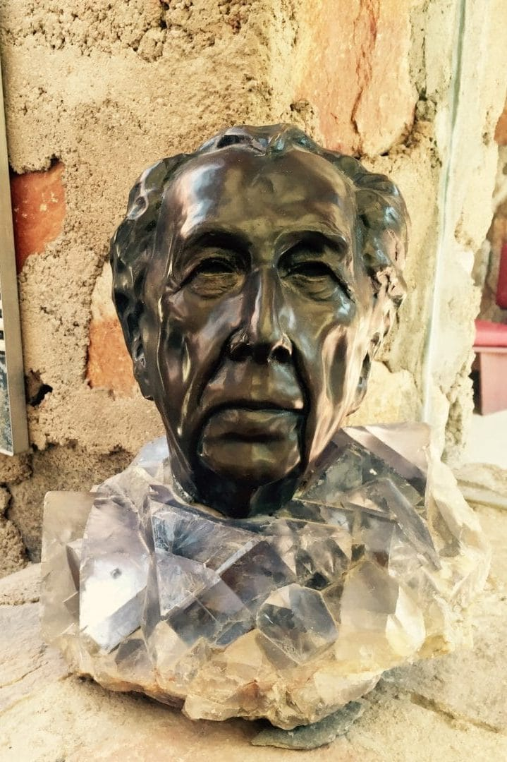 Frank Lloyd Wright and Taliesen West in Scottsdale, Arizona. Bust by Heloise Crista.
