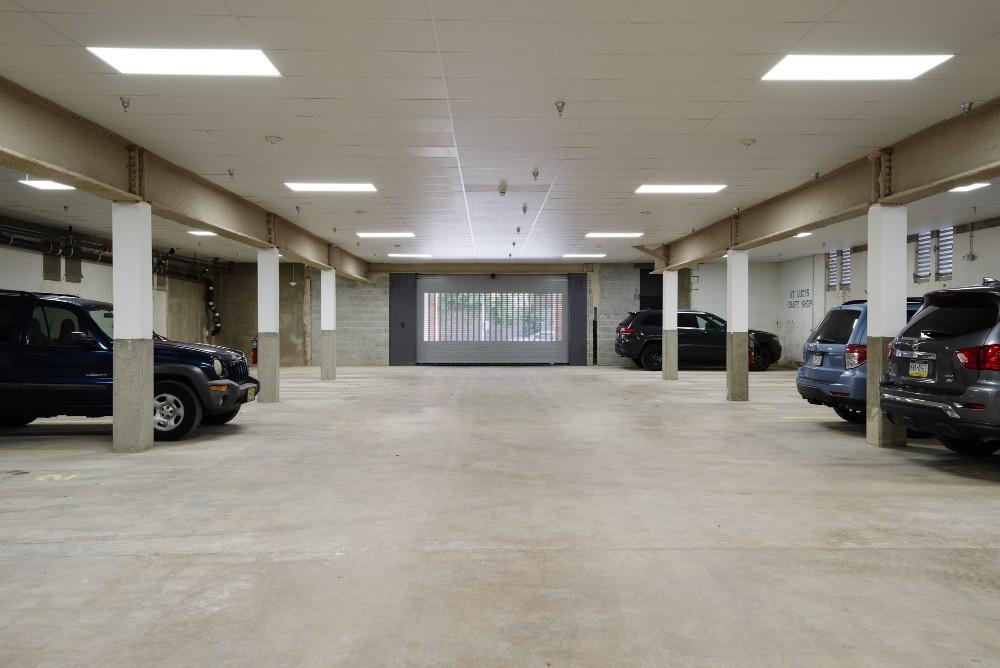 Garage_2.jpg