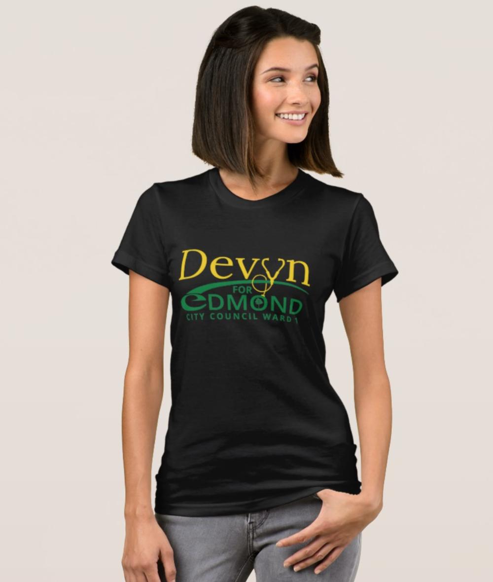 Women's tshirt mockup - black.png