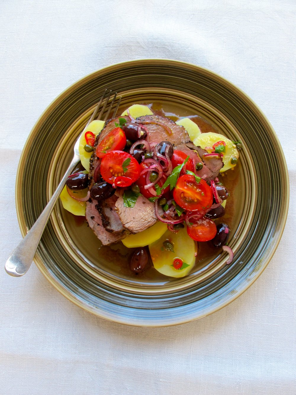 11.Steak-and-Potatoes-with-Cherry-Toms-and-Olives.jpg