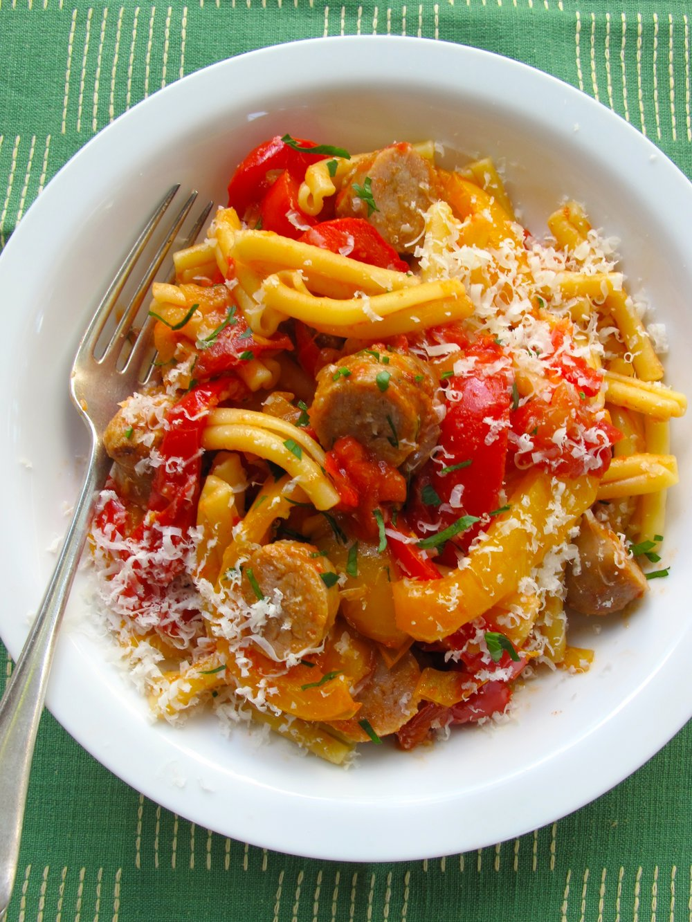 21.-pasta-with-sausages-and-peppers.jpg