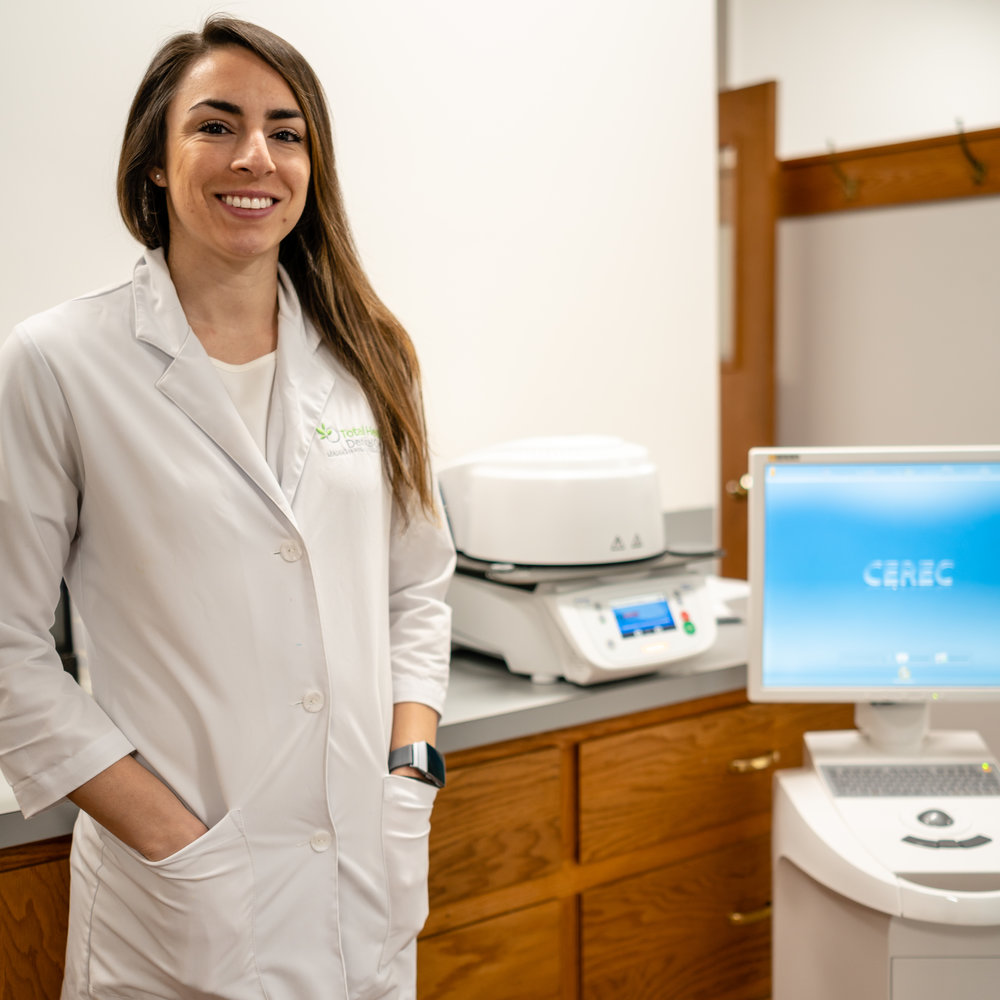 Dentist with CEREC Restorations Total Health Dental Care