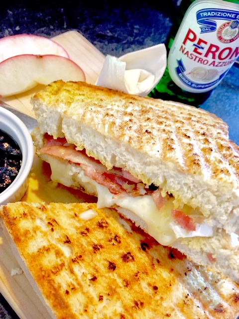 Bacon & brie toasty served with apple and chutney or mayonnaise