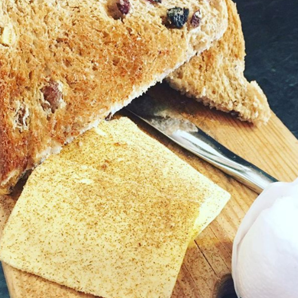 Toasted fruit bread with Cinnamon Butter