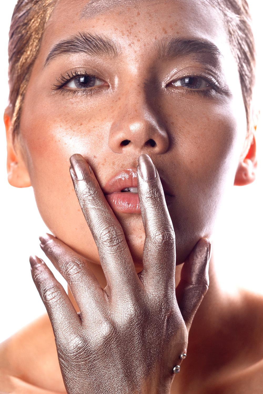 Meri Gold Hands