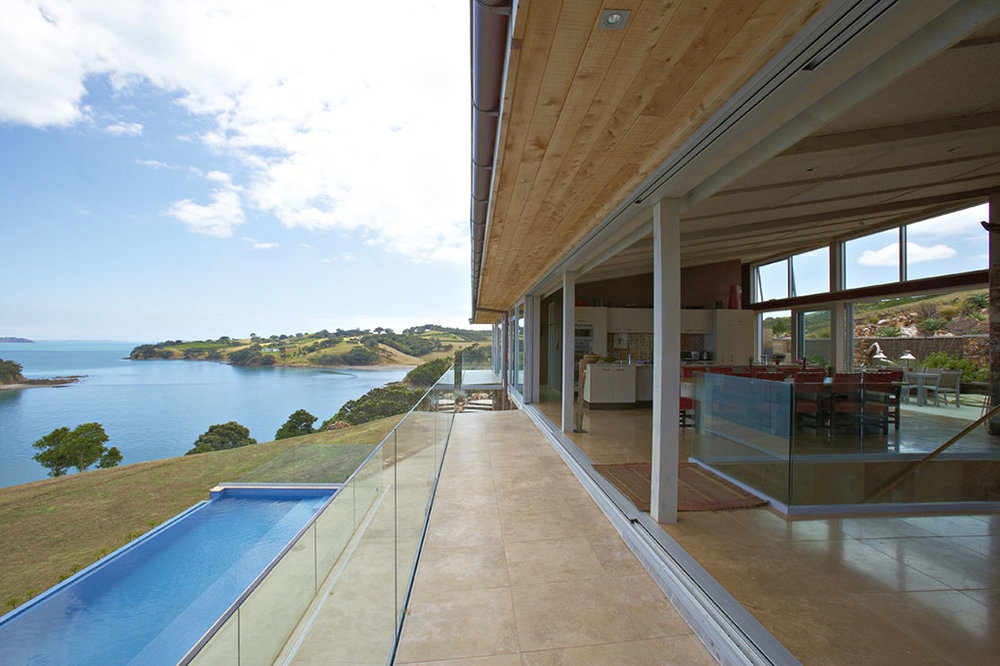 NewZealand-Fossil-Cove-House_Roomwithaview.jpg
