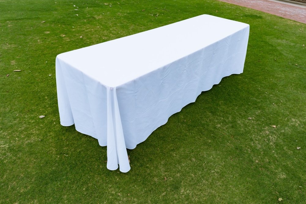 8' Table w/ Linen