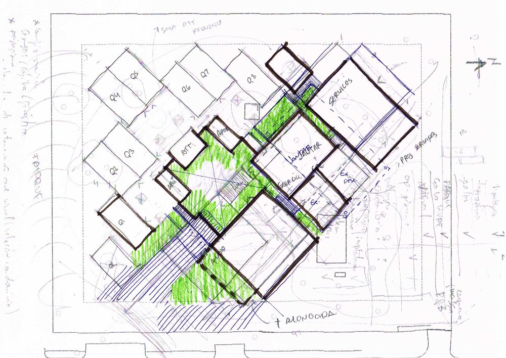 The remaining spaces between blocks form green pockets, created to allow users contemplate the external landscape.