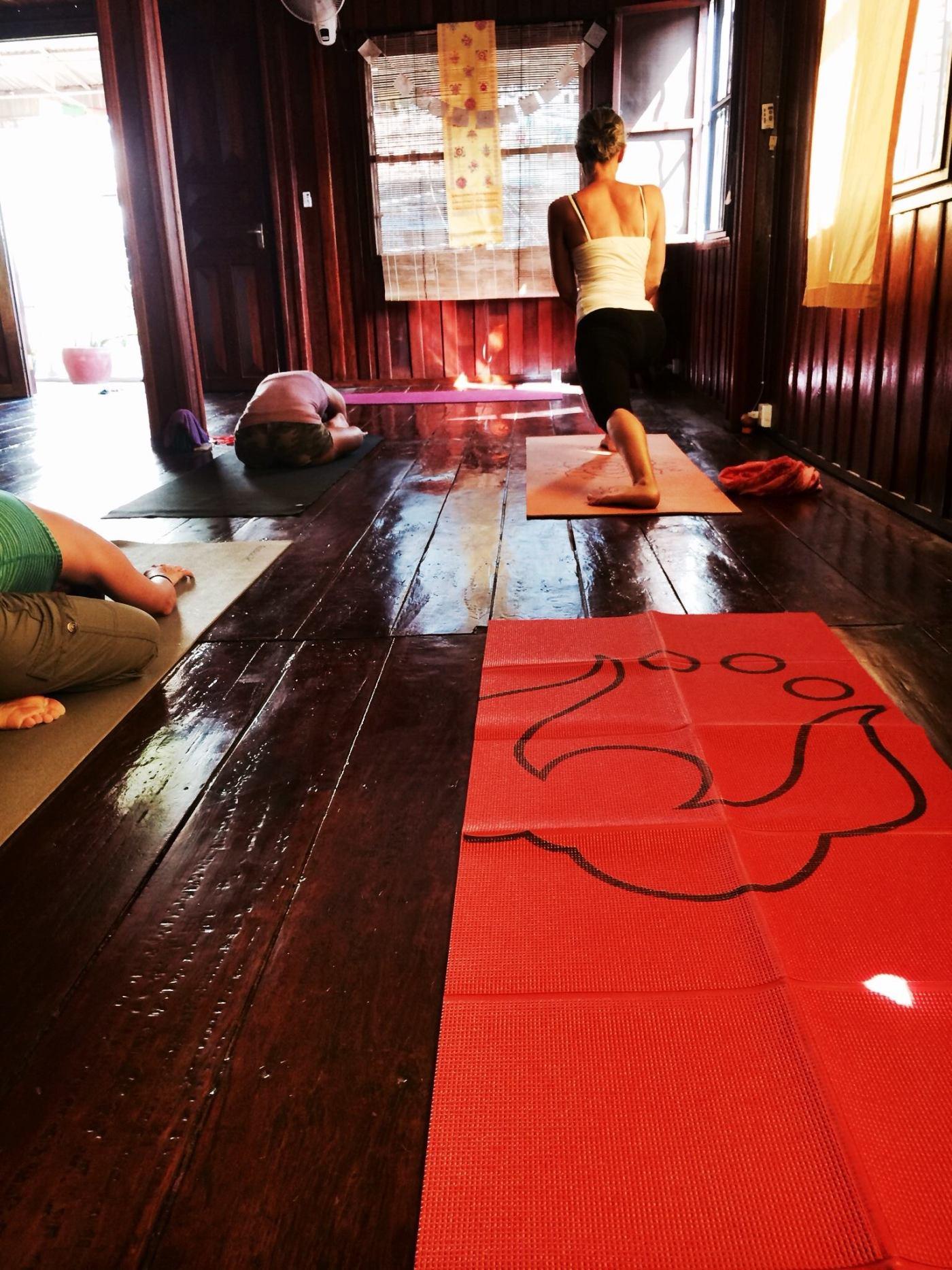 Yoga_phnompenh
