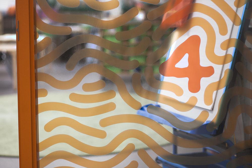 YEA_finger_02.jpg