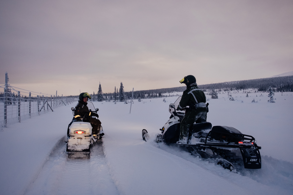 The border between Finland and Russia in the Lapland region reaches 380km of extension. Its very important to constantly patrol the border also to remember the location of the cottages along the border and be able to easily reach them even in the hardest weather conditions.