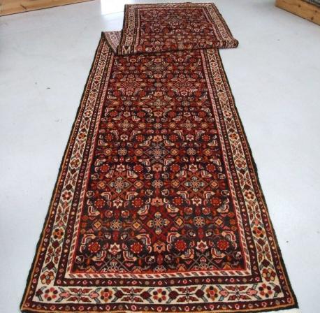 Traditional Hamadan Runner    Size Measurements: 485cm x 110cm