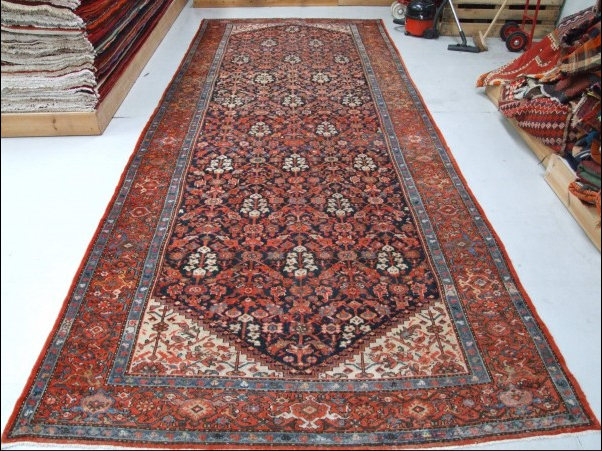 Traditional Malayer Runner    Size Measurements: 502cm x 201cm