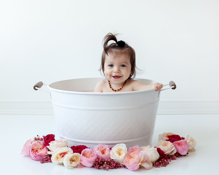 Milk_Bath_Baby_Sessions_Whitby_Bowmanville_Petra_King_Photography