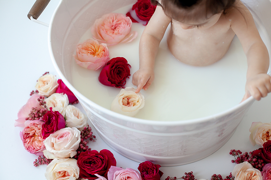 Floral_Milk_Bath_Baby_Whitby_Bowmanville_Toronto_Petra_King_Photography