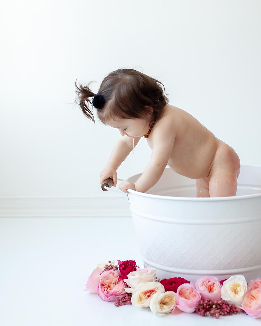 Baby_Milk_Bath_Bowmanville_Whitby_Durham_Region_Petra_King_Photography